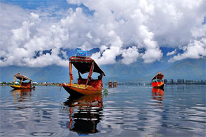 Kashmir Houseboat Tour